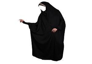 اگر لباس مشکی مکروه است چرا زنان چادر مشکی می پوشند؟